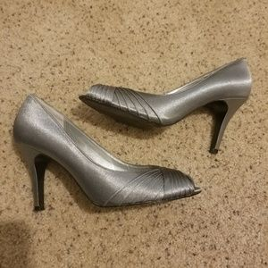 Silver Adrianna Papell Boutique Peep toe pumps